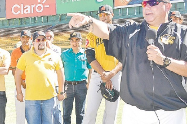 Manny Acta y Félix Fermín dejan atrás sus diferencias y retoman su amistad