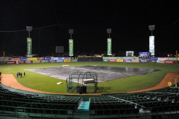 Suspendido por lluvia juego Licey vs Estrellas en SPM!!!