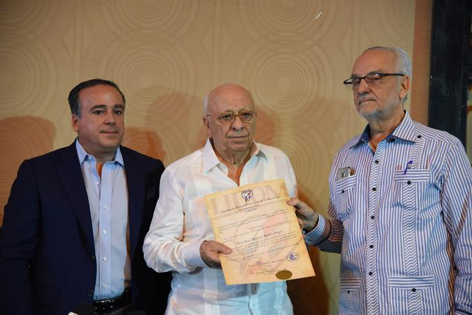Homenaje a Pepe Busto, exitoso presidente Licey
