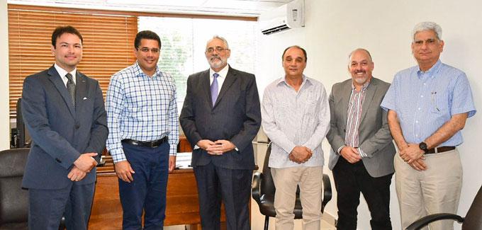 Alcalde del Distrito Nacional visita LIDOM