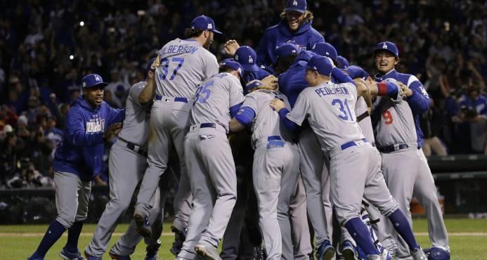 Los Dodgers de los Ángeles llegan a Serie Mundial con base en trabajo en equipo