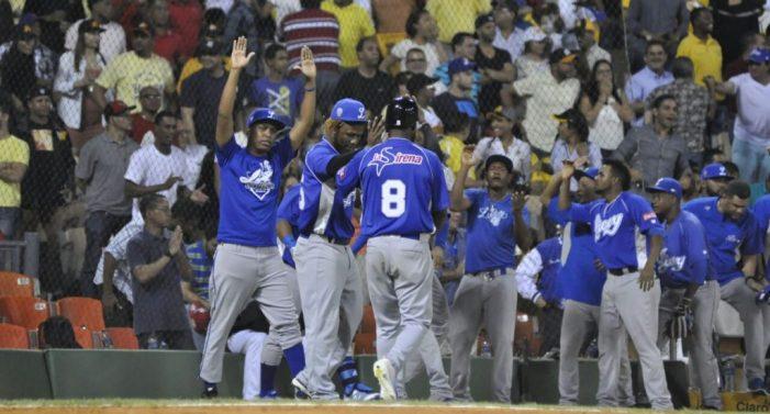 Los Tigres superan 6-3 a las Estrellas en el Tetelo Vargas