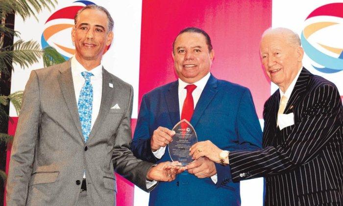 DOMINICANOS PRIMERO reconoce a los más destacados LIDOM