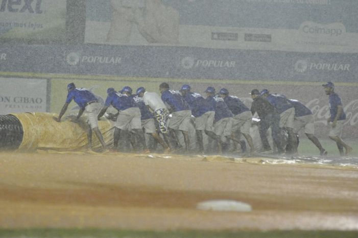 POSPUESTO POR LLUVIA el partido entre Tigres del Licey y Aguilas Cibaeñas en Santo Domingo