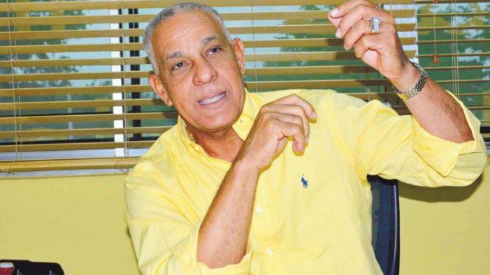 Mario Soto reelegido presidente confederación de peloteros