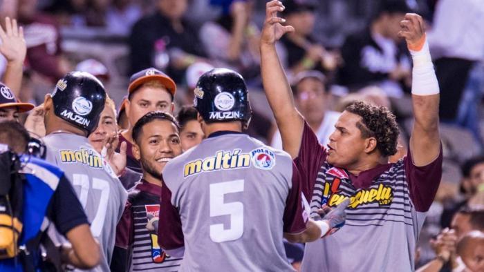 Venezuela hunde a México y amarra un boleto en la SC
