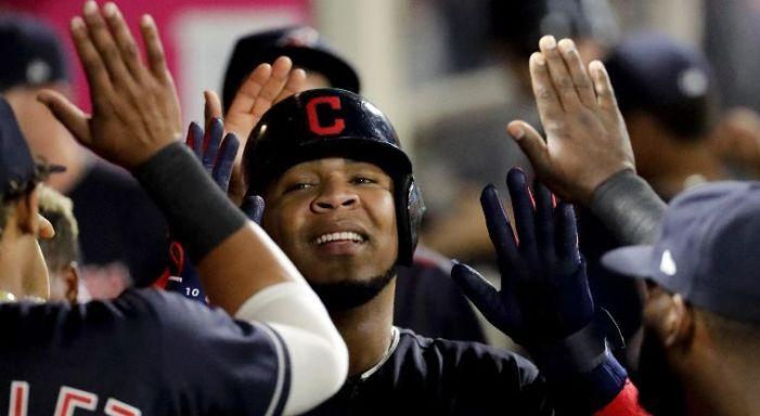 ¿Por qué Indios cambiaría a Encarnación a Red Sox?