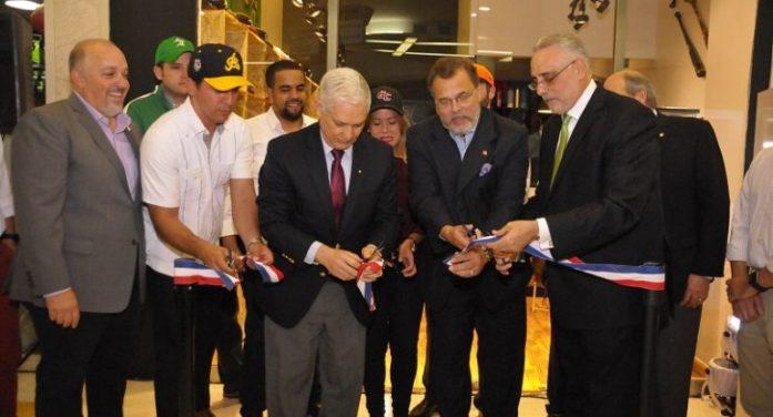 Lidom inaugura su primera tienda ¨LIDOM SHOP¨