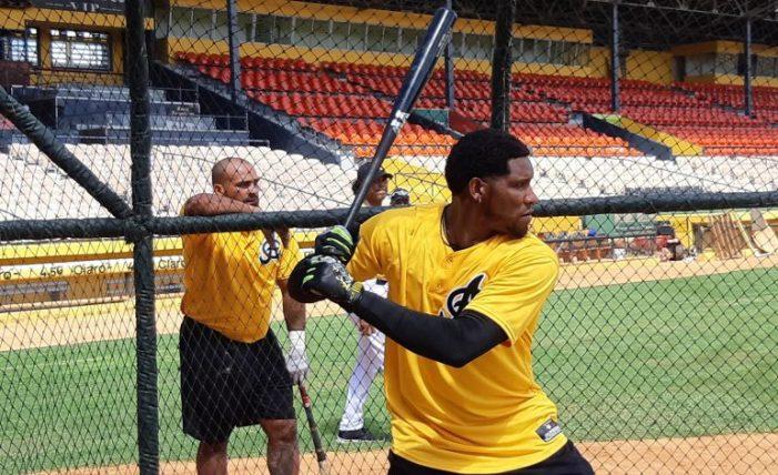 Jugadores de posición y más lanzadores se integran a prácticas Águilas