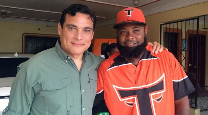 Yamaico Navarro: Un bate temible que llega al Corral
