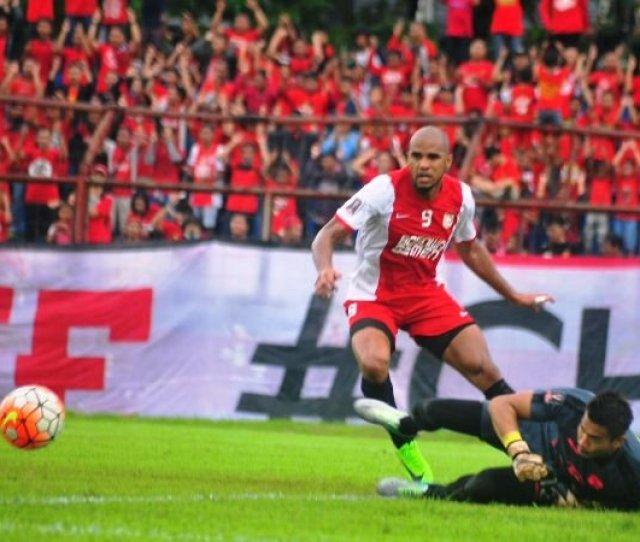Herrie Setyawan Sebut Persib Sah Saja Mengincar Reinaldo Liga
