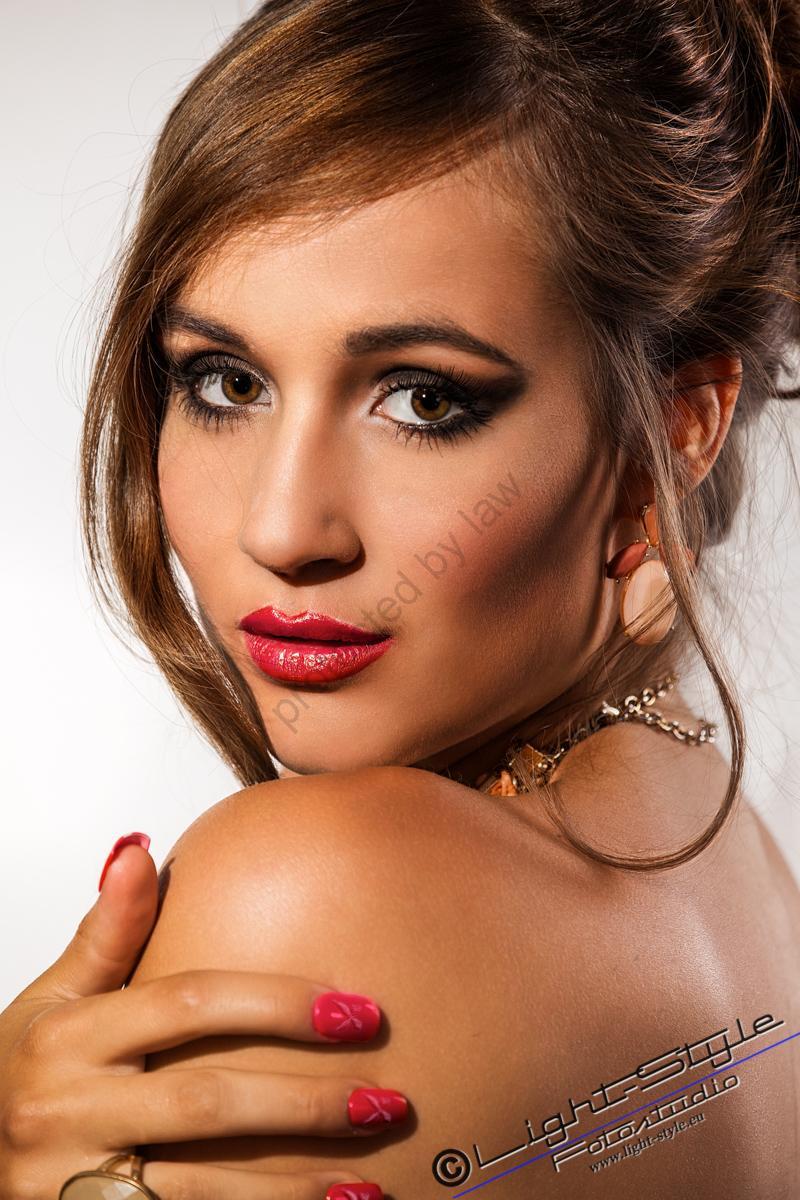 Nicola-Make-Up--331-Bearbeitet