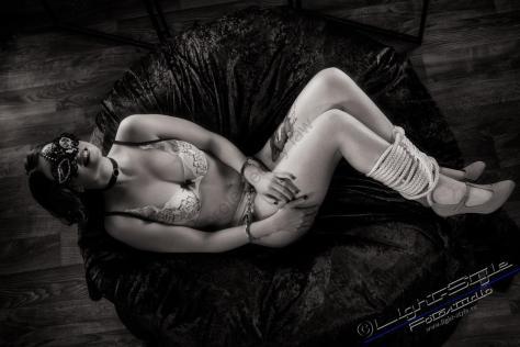 Shades of Grey 29 - Shades of Grey lässt grüßen - offene-worte, modelle, allgemein, aktfotos - Geschenke, Frauen, Fetisch, erotische Porträts, Aktfotos