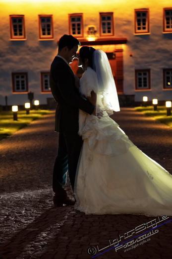 H18L0106 1052 683x1024 - After Wedding Shooting Teil 1 - hochzeitsfotos, afterwedding, abseits-des-alltags - outdoor, Hochzeitsfotos, Glamour, Geschenke, Die Geschichte hinter den Fotos, After wedding