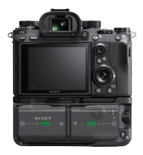 SONY-VG-C3EM-grip-with-batteries-visible-on-a9