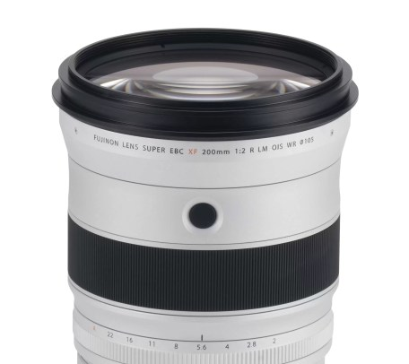 fuji-XF200mmF2_front-element-and-button