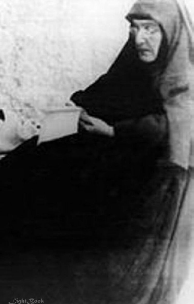 Real Pictures to Saint Rafqa the Lebanese Maronite Nun-2