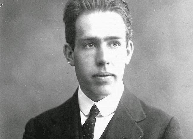 Photo of عالم الفيزياء نيلس هنريك دافيد بور Niels Henrik David Bohr – قصة حقيقية