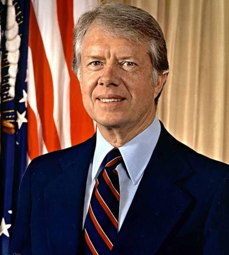 الرئيس الأمريكي السابق جيمي كارتر ينادي بالمساواة بين البيض والسود