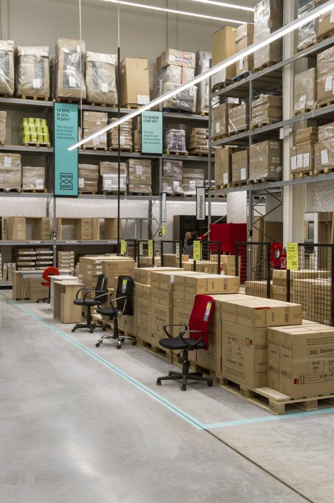 grande distribution meuble