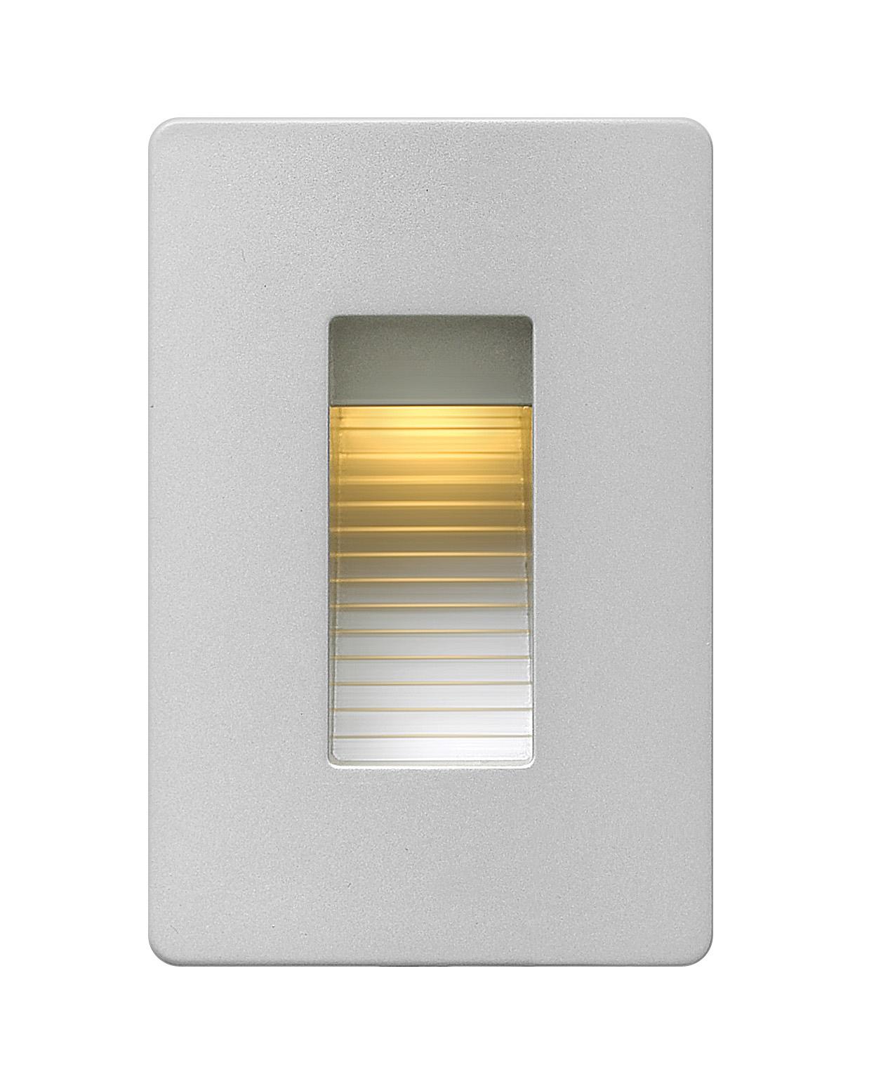 120v luna vertical step light by hinkley lighting 58504tt
