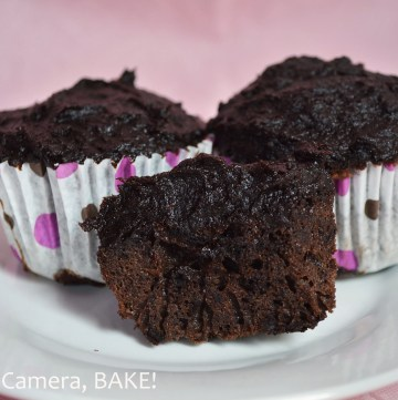 Paleo Chocolate Cupcakes. Light and fluffy chocolate #cupcakes topped with a #healthy frosting. Click the photo for the recipe.