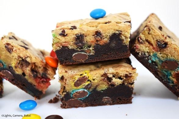 M&M Brookies is an M&M filled blondie on top of a fudgy, rich brownie! #m&mbrookies #brookies #m&mbrownies #m&mcookies