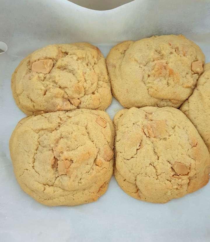Caramilk cookies.