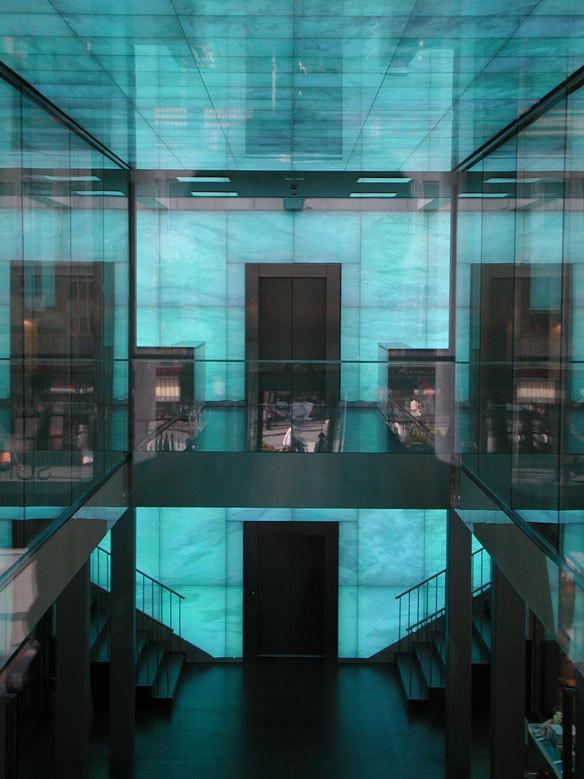 World of Jewellery, Pforzheim, Allemagne - Architecte : Peter W. Schmidt Architekt, BDA - Conception lumière : L-Plan, Michael F. Rohde - Plasticien lumière : Yann Kersalé, AIK © Dirk Altenkirch