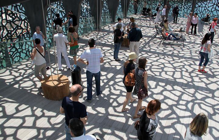 Terrasse du MuCEM, Marseille - Architecte : Rudy Ricciotti - Photo : Vincent Laganier