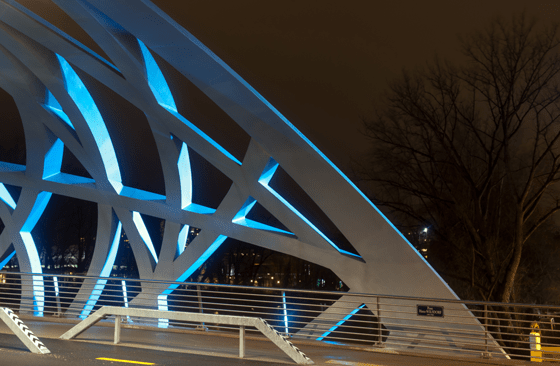 Pont Hans-Wilsdorf, PHW tubular twilight, Genève, Suisse - Photo : Michel Djaoui