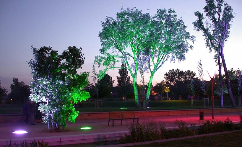 Parc de Gerland, Lyon - Paysagiste : Michel Corajoux - Concepteur lumière : LEA