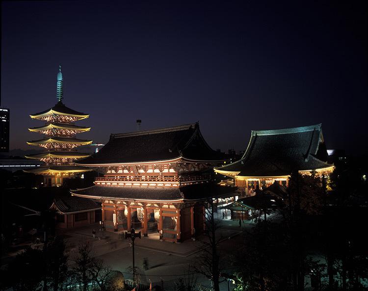 Asakusa Senso-ji, Tokyo, Japon © Motoko Ishii Lighting Design