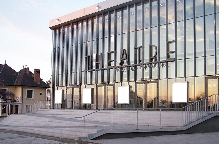 Façade vue latérale - Théâtre Novarina, Thonon-les-Bains, France © WIMM architectes