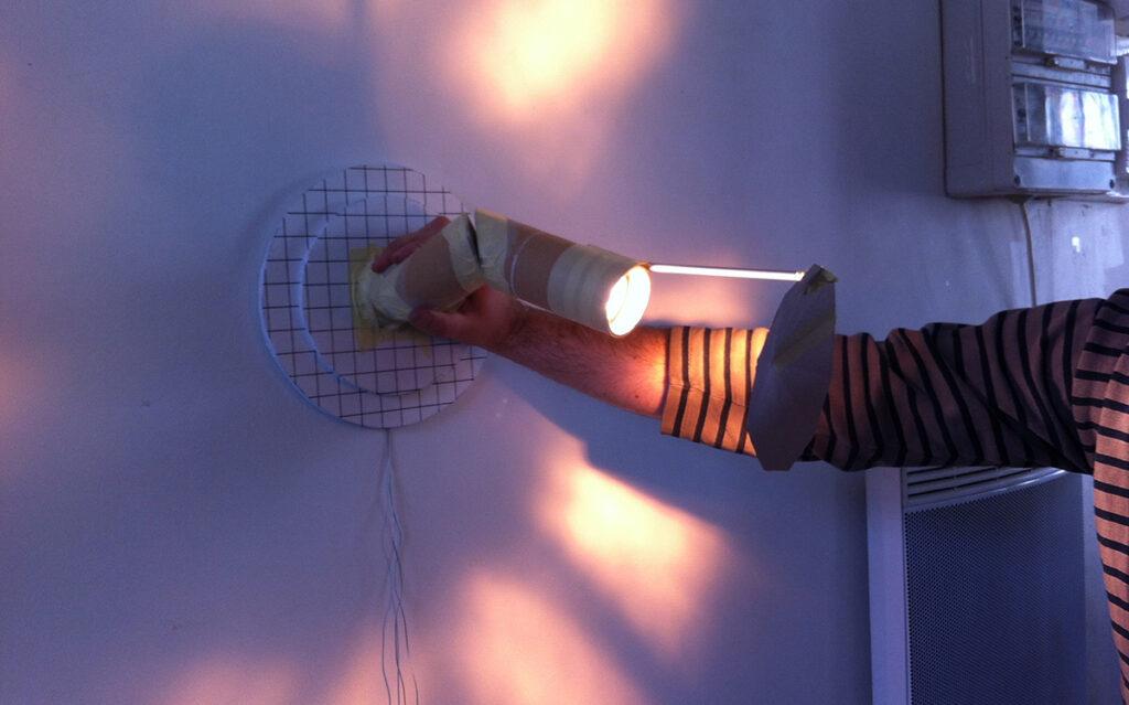 Prototype d'effet lumière, lampe en applique, L'ardent - Design et photo : RICH