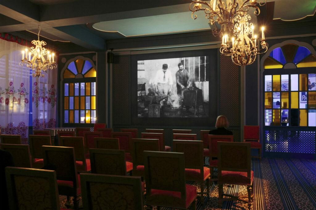 Lumière ! Le cinéma inventé - Salon Indien - Intérieur : Jacques Grange - Photo de l'exposition