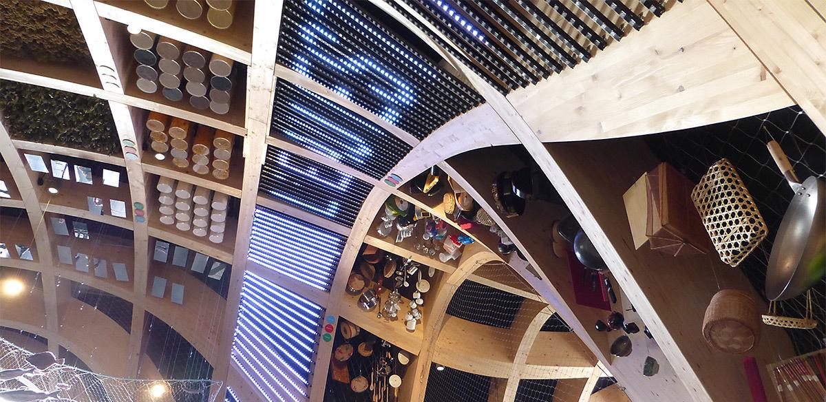 Expo 2015, Pavillon France, Milan, Italie - Halle, architecture média - Architectes XTU - Scénographie Adeline Rispal - Conception Lumiere Licht Kunst Licht - Photo Vincent Laganier