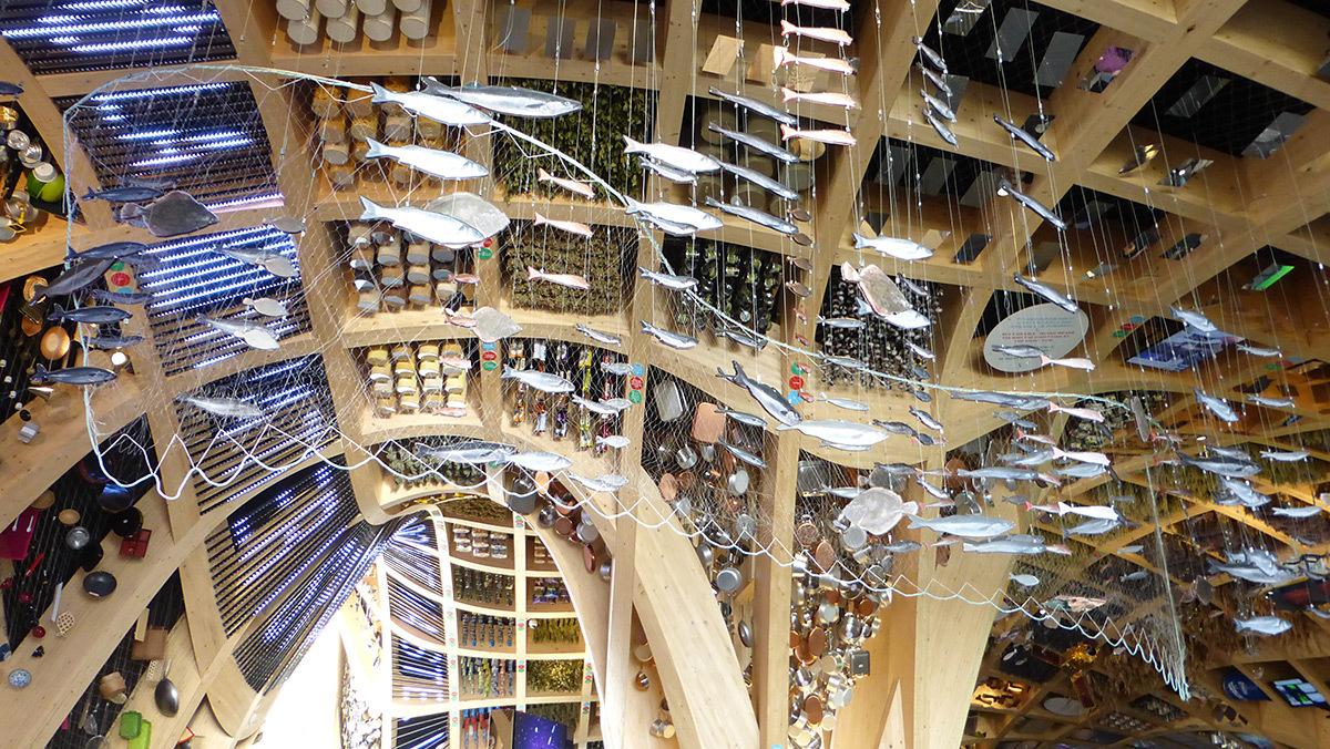 Expo 2015, Pavillon France, Milan, Italie - Halle, structure du plafond - Architectes XTU - Scénographie Adeline Rispal - Conception Lumiere Licht Kunst Licht - Photo Vincent Laganier