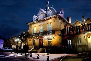 Simulation de mise en lumière de la mairie de Cergy - Photo Cylumine
