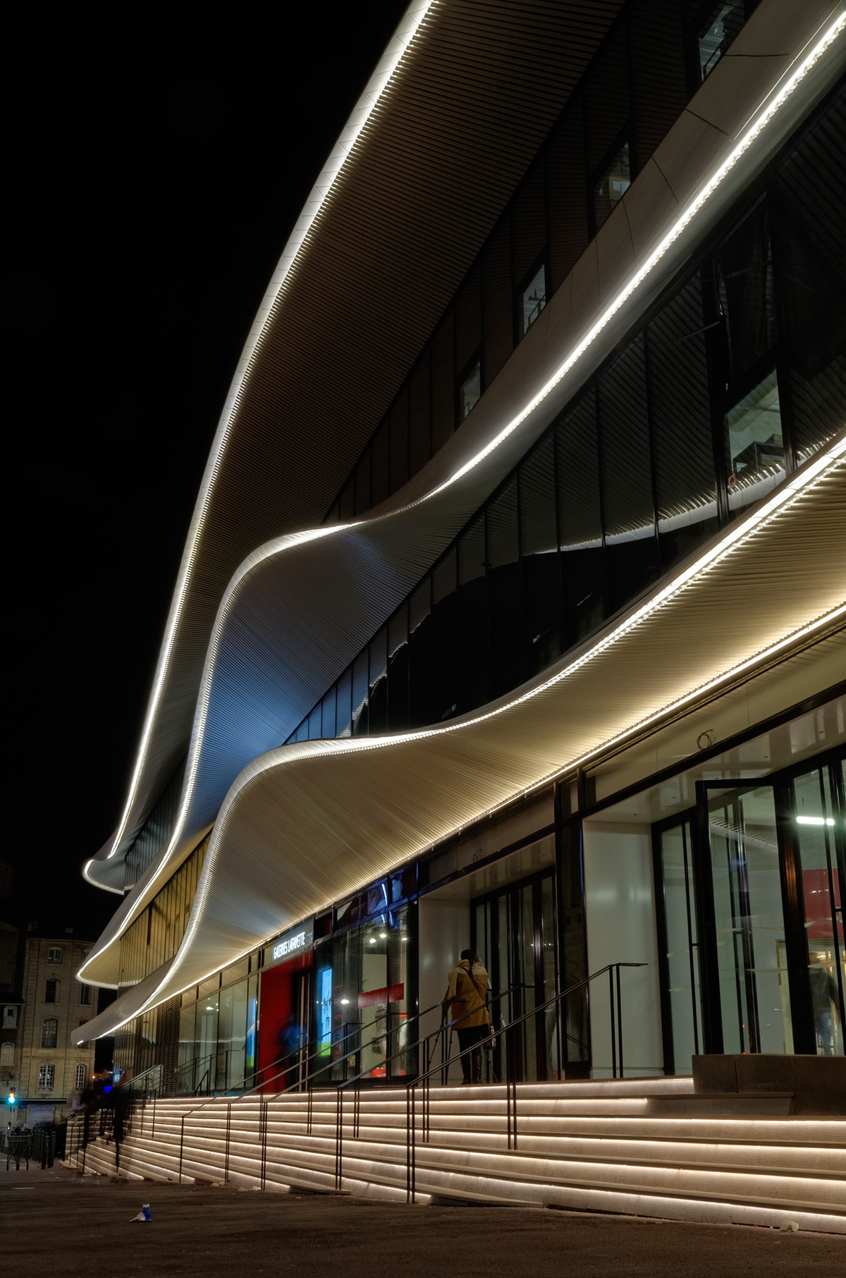 Galeries Lafayette, Centre Bourse, Marseille - Architectes : Moatti-Riviere - Concepteur lumière et photo : 8'18''