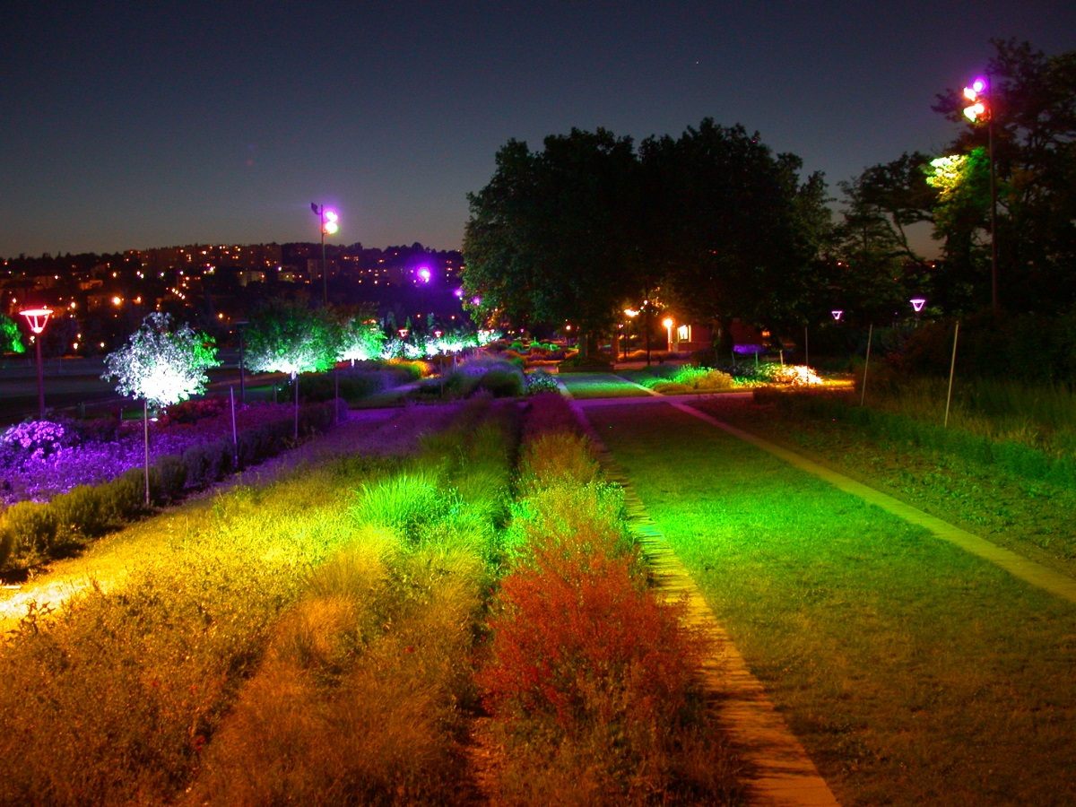 Parc de Gerland, Lyon - Jardin chromatique - Conception lumière et photo : LEA, Laurent Fachard