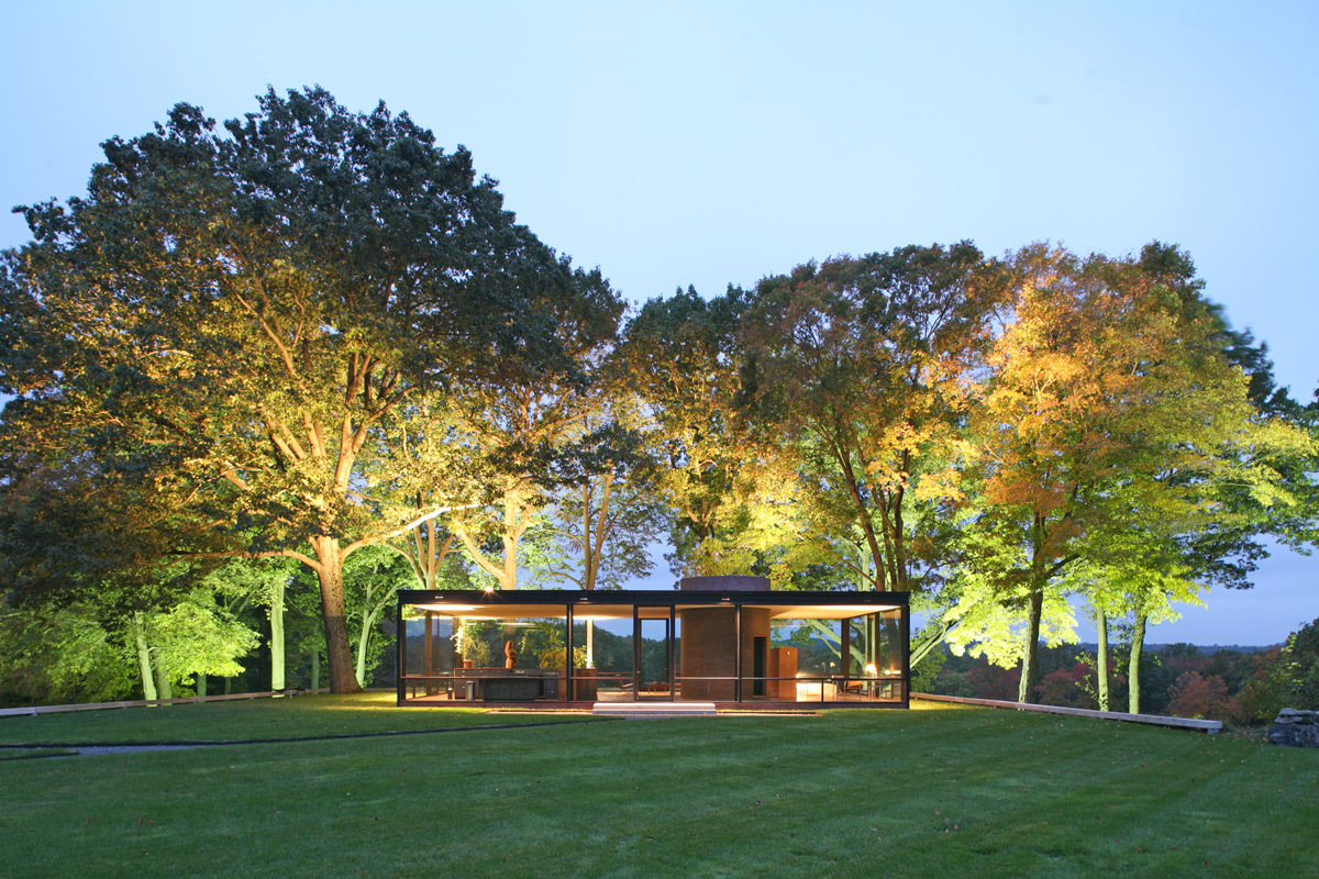 The glass house, une des références en lumière du jour et éclairage artificiel - Architecte Philip Johnson - Photo : Robin Hill/The Glass House