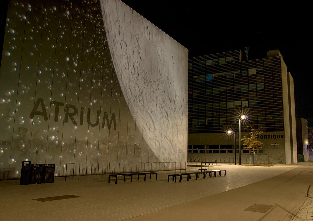 Projections monumentales emblématiques Atrium - Parc de université de Strasbourg © Charles Vicarini
