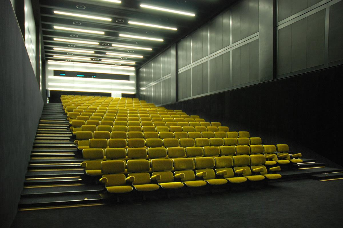 Fondazione Prada, Milan, Italie - Architectes OMA - Conception lumière et Photo : Les éclaireurs