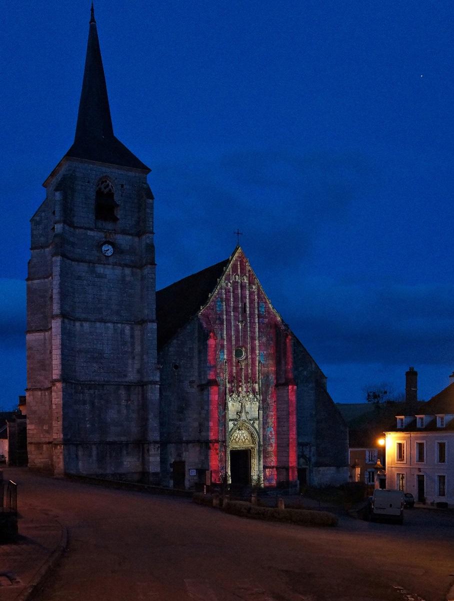 Cathédrale de la Puisaye, Treigny (89) - Église vue de nuit - Conception lumière et et image : Thomas-Klug