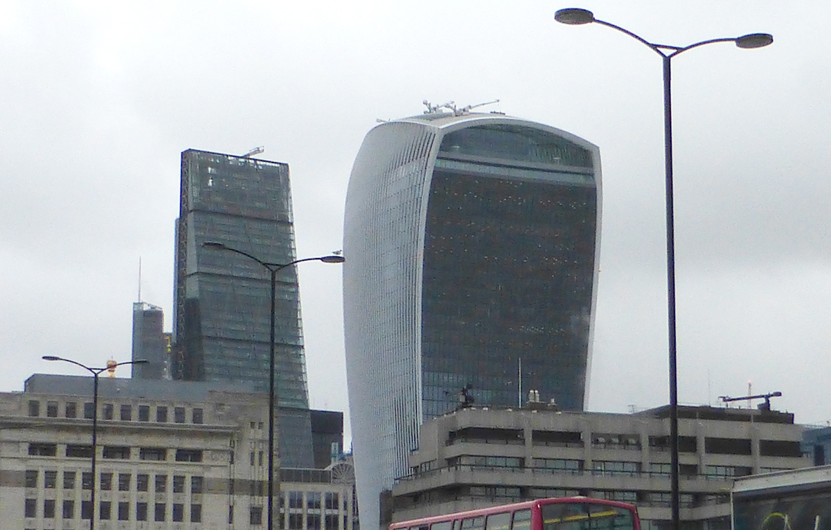 20 Fenchurch Street, tour surnommée le talkie-walkie, Londres - Architecte : Rafael Vinoly - Photo : Vincent Laganier