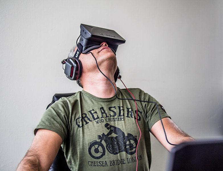 Orlovsky and Oculus Rift - Photo : Sergey Galyonkin, Kyiv, Ukraine - Wikipedia