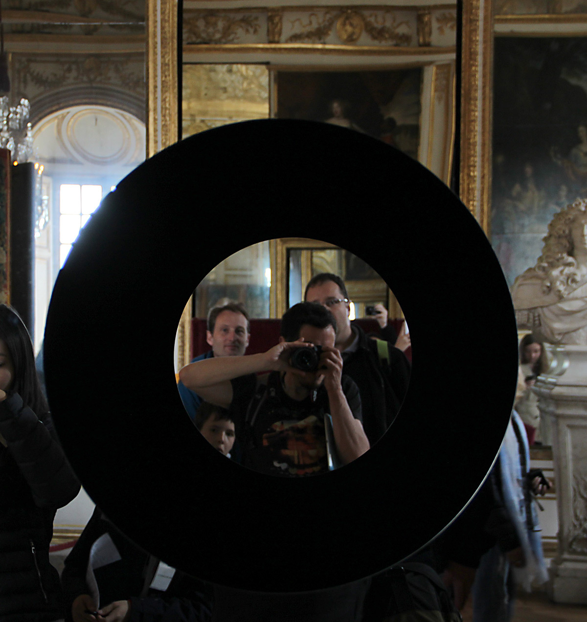 Olafur Eliasson, Deep mirror black, 2016 - Château de Versailles, France - Photo : Vincent Laganier