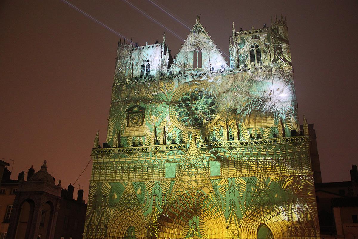 Évolutions, Cathédrale Saint-Jean, Lyon, France - Yann Nguema, EZ3kiel - Fête des lumières 2016, Lyon, France - Photo : Vincent Laganier