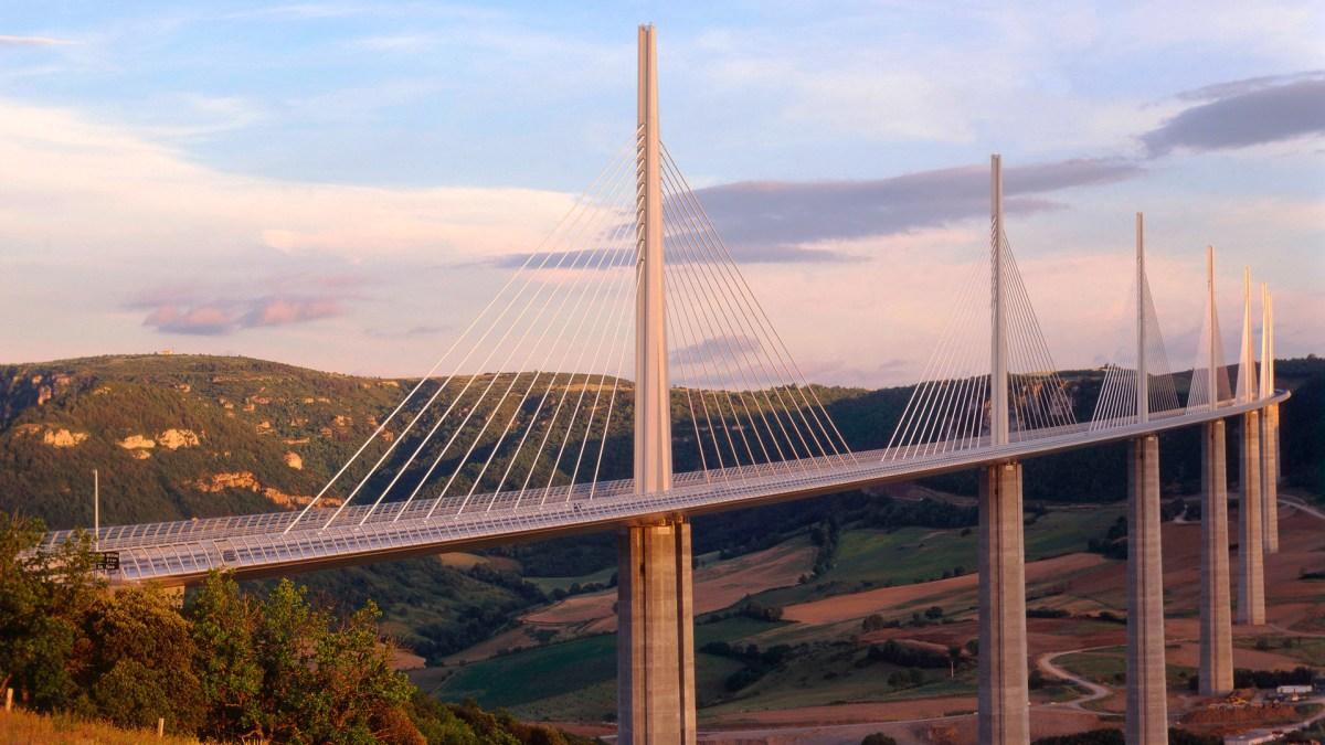 Viaduc de Millau, architecture de Foster + Partners